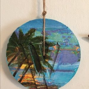 Other - Letter W Circle Palm Tree Hanging Price Firm